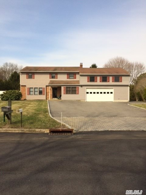 Short Sale.  Beautiful Colonial On 1 Acre.  Pool Needs New Liner.  Private Acre Located At End Of  Cul De Sac.  Huge 4 Car Garage With 16' Ceiling.  Central Air,  Full Basement. Tax W/Star: 12, 505