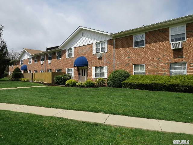 Gated Community,  Largest 1Br Executive,  Semi Updated Eik,  1 Br,  Lr/ Dr,  Fullbth,  Anderson Windows,  New Flring,  Cali Closets,  Sliders To Fenced Patio,  Prime Location Over Lookingcourt Yd,  Main. Inc: Cable,  Internet,  Water,  Taxes And Heat,  Sewers,  Clubhouse W/ Br's,  Shower &Rec. Rm,  Gated Igpw/ Cabana,  Baseball Field,  Basketball Ct,  Picnic Are,  Playground,  Must See!