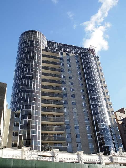 Walking Distance To Flushing Main St,  Stores,  #7 Train,  Lirr,  Many Buses. Close To Major Highways.
