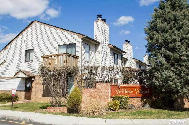 Make This Your  New Home - Immaculate 1 Bedroom Private Corner Unit - Bright & Open Floor Plan - Master Bdrm W/ Master Bth & Huge Closets -  Eik - Large Formal Dining Room - Large Living Room W/ Sliders To Deck - 1/2 Bth - Resort Living: Pool / Tennis Court / Clubhouse - Convenient Location