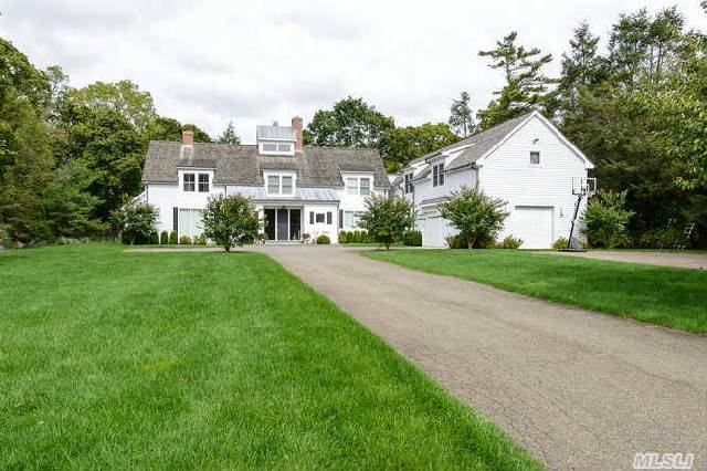 Young,  Stunning Ny Chic 6  Bedroom Home Set On A Quiet Cul-De-Sac.  White Oak Floors,  Custom Hi End Kitchen,  4 Fireplaces,  Hi Ceilings,  5 Bedrooms Ensuite.  Cabana And In Ground Salt Water Pool Set On 2 Park-Like Acres.  Jericho Sd.