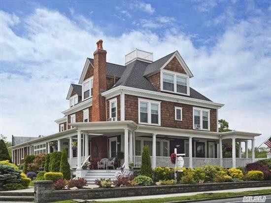 17 Room Classic Revival Mansion With 10 Bedrooms & 11 Baths. Renown Luxury Inn In The Heart Of Maritime Greenport.