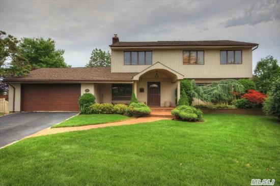 Mint Wedgewood Area,  Cul-De-Sac,  All Open Layout,  5 Bedrm (King Size Mstr. Bedrm Suite W /Fbth) Formal Dr,  Total 2.5 Bths,  Lrg.Eik W/Island,  Granite,  Ss Appl. & Breakfast Nook,  Lrg. Lr,  Huge Den,  2 Family Rms,  Atrium Rm, Huge Beautiful Resort Like Yard,  Cac,  Igs,  Too Much To List,  ,  Don't Pass This Buy!