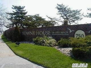 Spacious 2 Bed/2 Full Bths W/Hardwood Floors And 23X8 Ft. Tiled Terrace Located In A Gated Condo Community W/ A Spectacular Panoramic Pvt. Beach And Solar Heated Pool! Pets Allowed!!