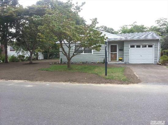 East Islip Schools!  Beautiful And Totally Redone 3 Br,  1 Ba Ranch. New Roof,  Oil Tank,  Carpet,  Hardwood Floors,  200 Amp Jet-Jacuzzi Tub. Formal Dining Room. Bring Your Fussiest Buyers!