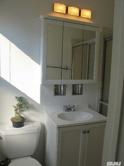 Master Bedroom Bath, 2nd Floor