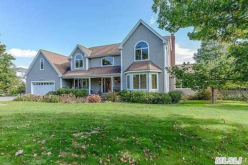Lovely Post Modern Center Hall  Colonial Features 6 Bds, 3.5 Baths, Open Eik, Fdr, Flr, Fam Rm/Fpl Sunrm, Guest Quarters, Laundry Rm, Cac Igp 20'X40',  Igs Set On Almost One Acre Of Park Like Property.