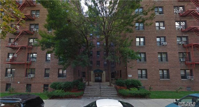 Great Value For Spacious Forest Hills 1Br Co-Op With Low Maintenance, Only $635/Mo. Large Living Room With Dining Room. Updated Eat-In-Kitchen & Bath, Both With Window. 4 Closets. Subletting Permitted Long Term. Laundry & Garage On Site. Newly Paved Grounds, Video Intercom. 5 Min To Subway And All Shopping, Short Stroll To Major Shopping Malls, Nightlife And Entertainment