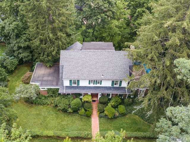 Long Islands North Shore At Its Finest, The Prime Thomaston Area. Beautiful 4 Bath/4 Bedroom Colonial, Eik, Formal Dr, Living Rm, Wood Burning Fire Place, Office & Family Den. Large Driveway, 2 Car Det Garage & Ig Pool. Near Lirr, Great Neck School District.