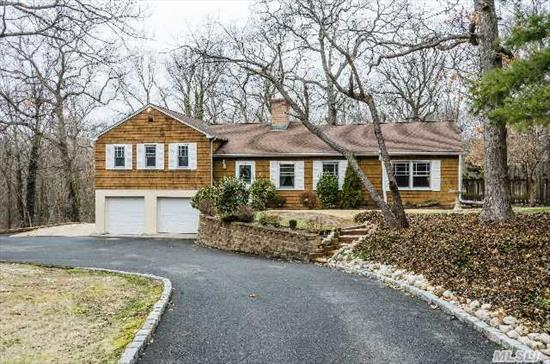 Location! Location! Location! Uniquely Designed Updated Split Ranch In Prime Muttontown Location. Amenities Inc: New Granite Eik, Hardwood, Cac, Igs, Gunite Pool, Barn, Paddock, Property Lovers Delight, Syosset Schools! Star Savings.