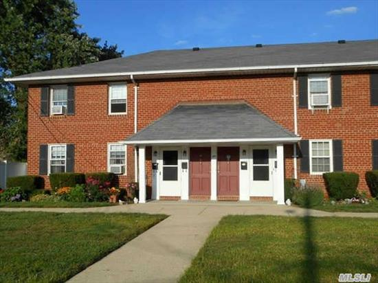 Mint,  Bright & Spacious Corner Unit Located On The 2nd Floor. Xtra Large Lr,  Eik W/ Hardwood Floors,  Large Bedroom Carpeted,  Updated Bath,  Washer/Dryer & A Full Stand Up Attic For Storage. Near To All Transportation,  Lirr & Shopping Center.