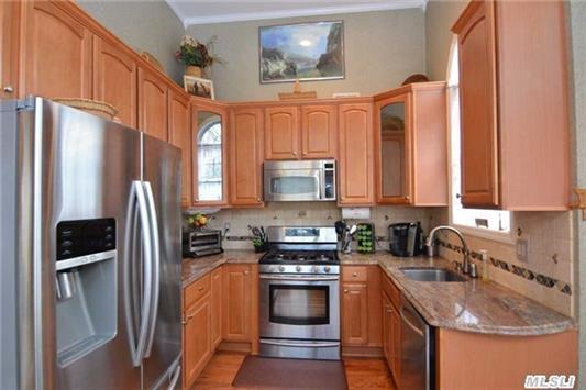 36 in. Cabinets/Granite Counters