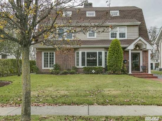 Pristiine 6 Bedroom 4 Bathroom Completely Renovated Colonial In The Most Desired Area Of Woodmere. Gleaming Oak Floors And Beautiful Moldings Compliment This Sun Filled Home. All Closets Are Custom Fitted For Maximum Storage. First Floor Laundry, Costco Closet In The Fully Finished Basement. All Amenities Cac/Central Vac/ Water Purifying System/ Igs, Walk To All!!