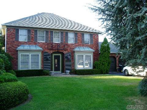 Location, Location, Location, Timber Ridge Colonial On Over An Acre On A Cul De Sac.Move In Condition, Many Updates.
