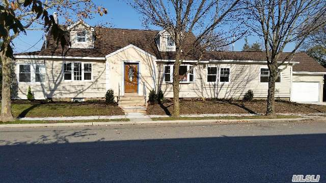 6 Bedrooms,  Expanded Cape,  Master Sweet Br/With Full Bath,  On 1st Floor - 4Br And 2 Bath Rooms 2nd Floor - 2Br With Full Bath.