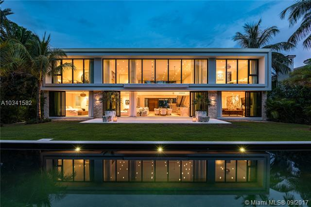 Brand New Construction Across From Park On Sunset Island #2. Contemporary 5400 Sq. Ft. For A Total Of 6 Bedrooms, 6.5 Bathrooms, Office, Game Room, Double Story Living Room, Gourmet Chef Kitchen. Built By Todd Michael Glaser & Designed By Domo Studio.