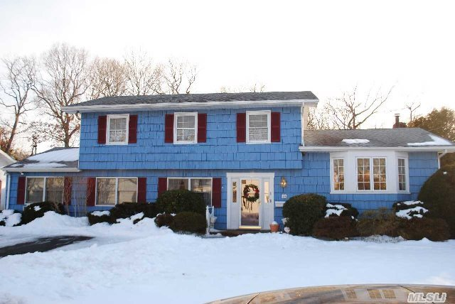 Half Hollow Hills Sd #5 (Dix Hills Schools),  Updated Colonial W/ 3 Room Legal Accessory Apartment. All New Windows,  Sun Drenched Sunroom Ext,  Granite Counters & Stainless Appliances,  6 Yr Old. Steel Walled Vinyl Liner Pool,  Park-Like Property,  Backs Greenbelt.