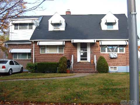 Large Lot Near Union Tpk And Lakeville Rd Only Blocks From Lake Success With Queens Taxes. Very Large Eik And Huge Br On Second Floor. New Bath W Jacuzzi. Walk To Express Bus. Best Value In Eastern Queens