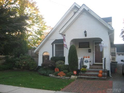 Charming, Warm And Immaculate Colonial On Dead End Street.2 Side Dormers. Granite Eik,3 Fireplaces, Main Floor Family Room W/Fpl And Sliders To Great Deck,Grassy Area And Hot Tub. Beautiful Hw Floors Throughout,Skylights, Plenty Of Closet Space,New Roof, Boiler And Windows.Taxes After Star.**Great House And Great Price**
