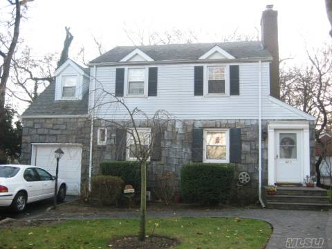 Gracious Side Hall Colonial On 56 X 193 Parklike Setting.Main Floor Family Room W/Skylight And Sliders To Wrap Apound Deck. New Large Eik,Lg. Master Br, True Fdr, Beautiful Hw Floors Throughout.Cac,New Boiler And Hw Heater. Taxes After Star..**Note Huge Price Reduction**