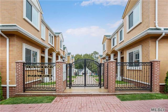 Great Neck. Newly Built Luxury Townhouses, Gated Complex,  Open Floor Plan, 3 Bedrooms, 2 Full Bathrooms Plus A Guest Bathroom On The Main. Be The First To Rent This Brand New Unit In Great Neck Access To Parkwood Pool For A Fee, Great Neck Parks And Other Great Neck Amenities. A Rare Find.