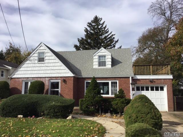 Great Location In Desirable Presidential Area. Full Finished Basement, Hardwood Floors, Large Living Room, Large Bedrooms Up,  Front Porch, Nightclub Basement, Over Sized Yard. Don't Miss Out!