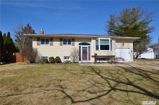 Mint Raised Ranch In Commack Blue Ribbon Schools. Upper Level Features Updated And Expanded Eik W/Granite,  Large Lr,  Den W/Gas Fpl,  Modern Bth W/Skylight,  3 Bedrooms & Beautiful Hw Flrs Throughout. Lower Level Features Large Family Rm,  2 Bedrooms,  Full Bth & Ose. Possible Mother/Daughter W/Permit. Taxes W/ Star $9, 032. See Virtual Tour!