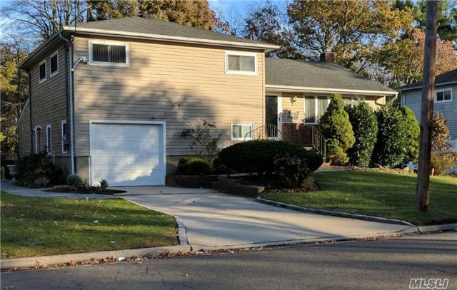 Updated Extended & Expanded 4 Level 4 Br Split In Viceroy Estates Backs On The Preserve. Possible Mother/Daughter Layout - Check Local Zoning. Gas Heat & Cooking, Cac For Upper 2 Levels + 3 Sep A/C-Heat-Dehumidifiers For Lower 2 Levels, Built In Speakers In Lower Level & Yard, 6 Zn Sprinkler System, Radiant Heat In New Lower Level Bath, New Eik Lower Level, 2 Laundry Rms