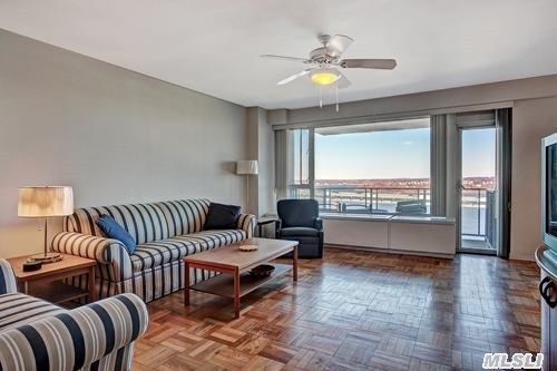 Rarely Available High-Rise Luxury Apt On High Floor Located In The Much Sought After Enclave Of Beechhurst! Gated Community, Wall To Wall Windows Providing Spectacular Waterviews As Well As Of The Whitestone & Throgs Neck Bridge! Private Terrace, Heated Pool, Dock, Doorman, Gym, Laundry On Each Floor, Concierge, Valet Parking & Much More! Don't Miss Out On This Extraordinary Opp