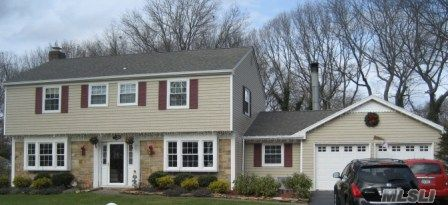 True Center Hall Colonial 4 Br 2.5 Bths,Flr W/Fpl,Fdr,Fam.Rm W/Fpl,Gourmet Eik,Exotic Granite Counters & Lg Working Island,Cherry Cabinets W/Self Closing Doors & Draws,Ss Appliance That,Include 3 Ovens,Gas Cooking Range W/Pasts Faucet,Dw,Refrig,Wine Cooler,Garbage Disposal & Compactor,Micrwave.Large Patio Fenced Yard.Taxes W/Star $7663..