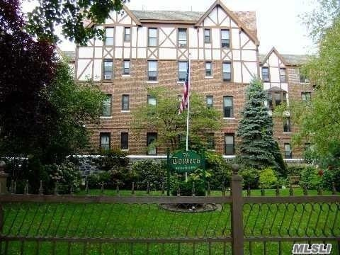 3rd Floor Walk Up In Stately 1928 Brick Tudor Building Complex. One Bedroom With Lr/Dr/Kit Combo Great Room. Great Closets, Great Location!!!