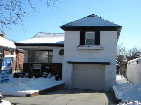 Beautiful Split Level Home In The Heart Of Whitestone.  Fenced In Yard With Patio.Exceptionally Clean - Move In Condition