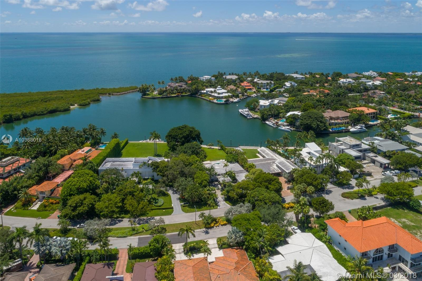 Create And Build Your Perfect Home On This Incredible And Very Spacious Property With 24, 473 Sq Ft Of Land As Per Miami Dade County. Enjoy The Gorgeous And Breathtaking Views Of The Harbor And Bay As Well As Being At The End Of Harbor Drive Where It Is Very Quiet And Peaceful. This Is A Boater+Ógé¼Gäós Paradise.