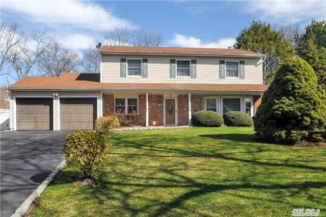 Beautiful Colonial,  On Quiet Cul-De-Sac. Features Eik W/Granite, Formal Living&Dining Rms, Family Rmw/Fp & Sliders To Rear Paver Patio W/Elec Awning. Mstr Br W/Updtd(2Yrs) Full Bath W/Radiant Heat & Rain Shower.Updated Bths, Main Flr Laundry, Fin Part Bsmt Updated Windows, Doors, Heating(4/15), Cac,  200 Amp Elec,  Hardwood Flrs,  Crown Molding,  Igp, 2Car Gar,  Prof. Landscaped & More