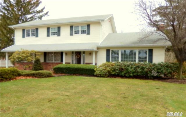 Pristine Large Center Hall Colonial With Legal Access Apartment #29911. This Home Has Pride Of Ownership Through Out. Country Club Yard Complete With Delightful Outdoor Living Space Features In Ground Pool W/New Liner. Newer Baths, Updated Kitchen, Cac Redone In 2014. Open & Spacious Floor Plan Perfect For Family Living And Entertaining. Don't Miss Out..