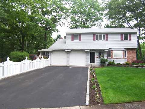 **View Virtual Tour** Beautiful, Immaculate 4 Br. Col.  Gleaming Hw Flrs, All Pella Wiindows, Lovely Den Leads To 3 Season Rm, New Bths, Professionally Landscaped. Inviting Enclosed Portico Entry. A True Turn Key Property!!!