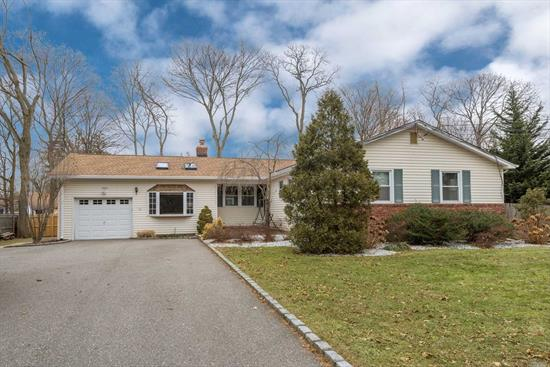 Stunning 1750 Sq Ft Sprawling Ranch(+ Fin Bsmt With C/O)On Manicured .34 Acre Property In Brightwaters Farms & Bay Shore Sd! Beautiful Floorplan-Flr, Fdr, Huge Chef's Eik W/Maple Cabinetry, Quartz Counters, Ss Applcs & Lge Dinette W/Brick Fplc, Sunken Den W/Bay Window, 3 Bedrooms, 2 1/2 Beautiful Baths(Mbr W/Wic & Private Bath)Wood & Laminate Flrs, 6 Skylights, Garage, Sewers & More