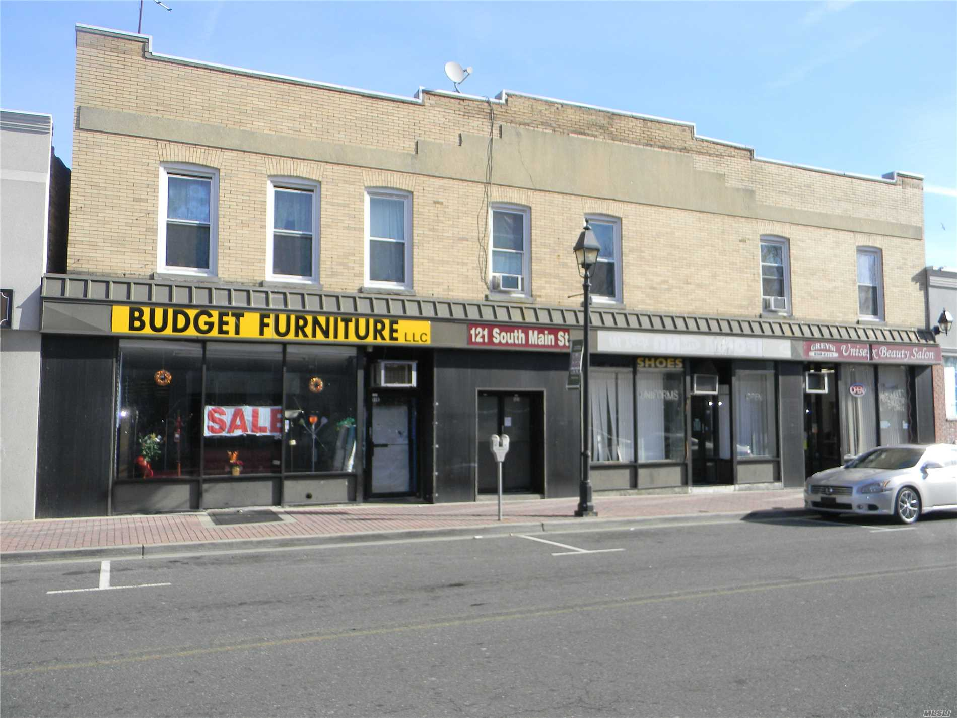 Fully Occupied Great Mix Use Property In The Heart Of Freeport Including 3 Stores, 6 Apartments & Full Basement. Young Heating & Electric System, 8 Parking Spaces, Great Investment Property.Very Well Maintained.Perfect For A 1031 Exchange.