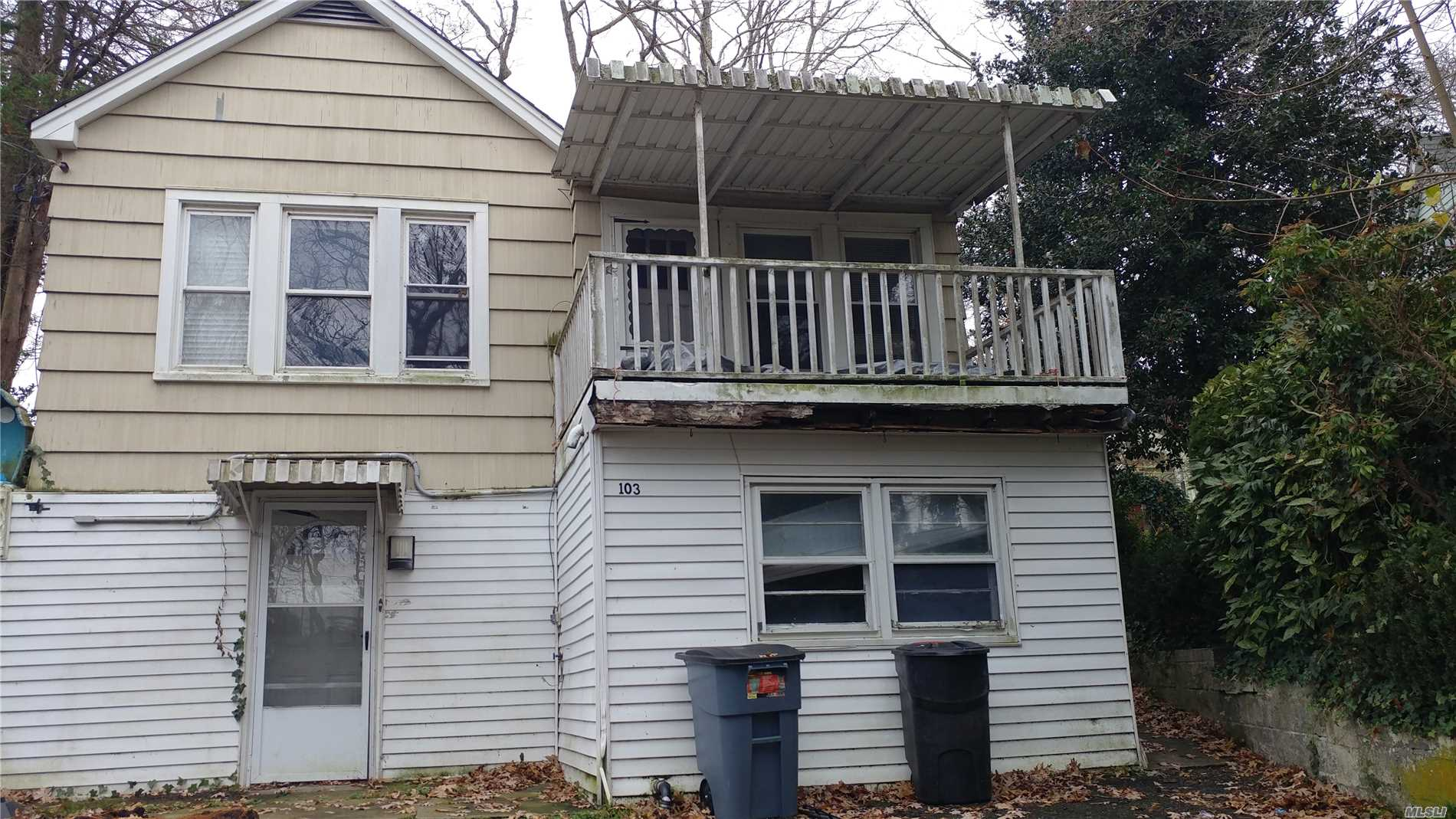 2 Story, 3 Bedroom, 2 Bath, Walking Distance To The Beach. Great Opportunity For Investors.