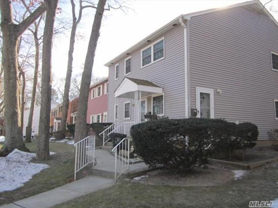 Pet Friendly Community, Small Dog & Cat Allowed, Large Sunny 1 Bedroom End Unit With Private Entrance. Large Living Room, Many Closets, Kitchen Pantry, Newer Windows, Washer & Dryer In Unit, Bbq Allowed, Close To Shopping & Parkways, Maintenance Includes Heat, Hot Water, Taxes, Snow Removal & Landscaping