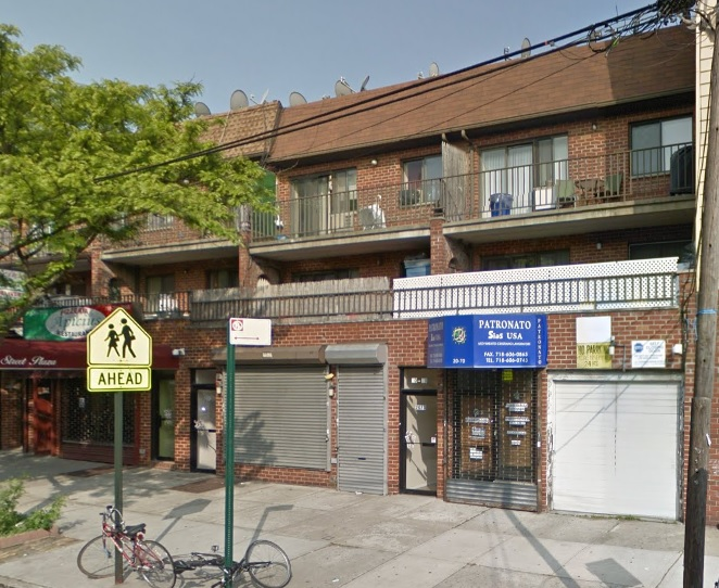 Commercial Storefront Available For Rent In Astoria. Great Location With Heavy Foot Traffic, Close To Transportation! Perfect Opportunity!