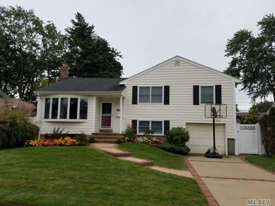 Beautiful Updated Split On Cul-De-Sac. Large Family Room Extension (16 X 22) , Updated Baths, Updated Kitchen W/Stainless, Granite And Double Oven. Solar Panels (Lease To Be Assumed By New Owner), Upcoming 26% Tax Reduction, Starting School Year 2018-19, Approx $4, 400 Deduction.