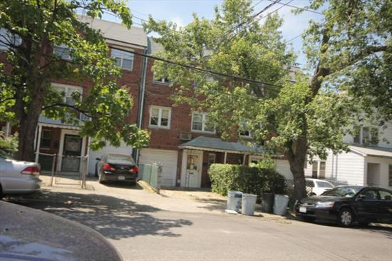 Beautiful 2 Bedroom Apartment In Flushing For Rent. This Apartment Features 2 Bedrooms, And Spacious Living/Dining Room Areas. Plenty Of Natural Sunlight And Hardwood Flooring Throughout. Close To Transportation, And Shops. A Must See!