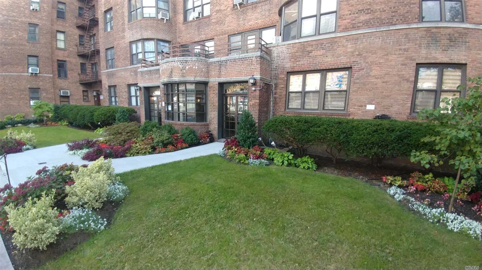 Huge Renov Pet Friendly Prewar 2Br Prime Location, 1/2 Blk To Subway. High Floor, Sunny & Bright. Pre-War Grandeur & Charm, Towering High Ceilings, Huge Wide Rooms, Inlaid Hardwood Floors, Beautiful Crown Moldings, Generous Deep Closet Space. Lg Dining Area, King Size Liv Rm, 2 Xlg Master Br's, Renov Lg Eik, Ss Appliances, Granite Bath. Can Be Sublet. New Lobby. New Roof