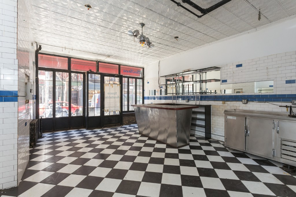 Turn Key Restaurant with Full liquor license, full basement, Food OK, Neighbors include Cafe Habana, Tory Burch, & Dolce Vita.  Please call 917-261-6561 for more information or to schedule a viewing.