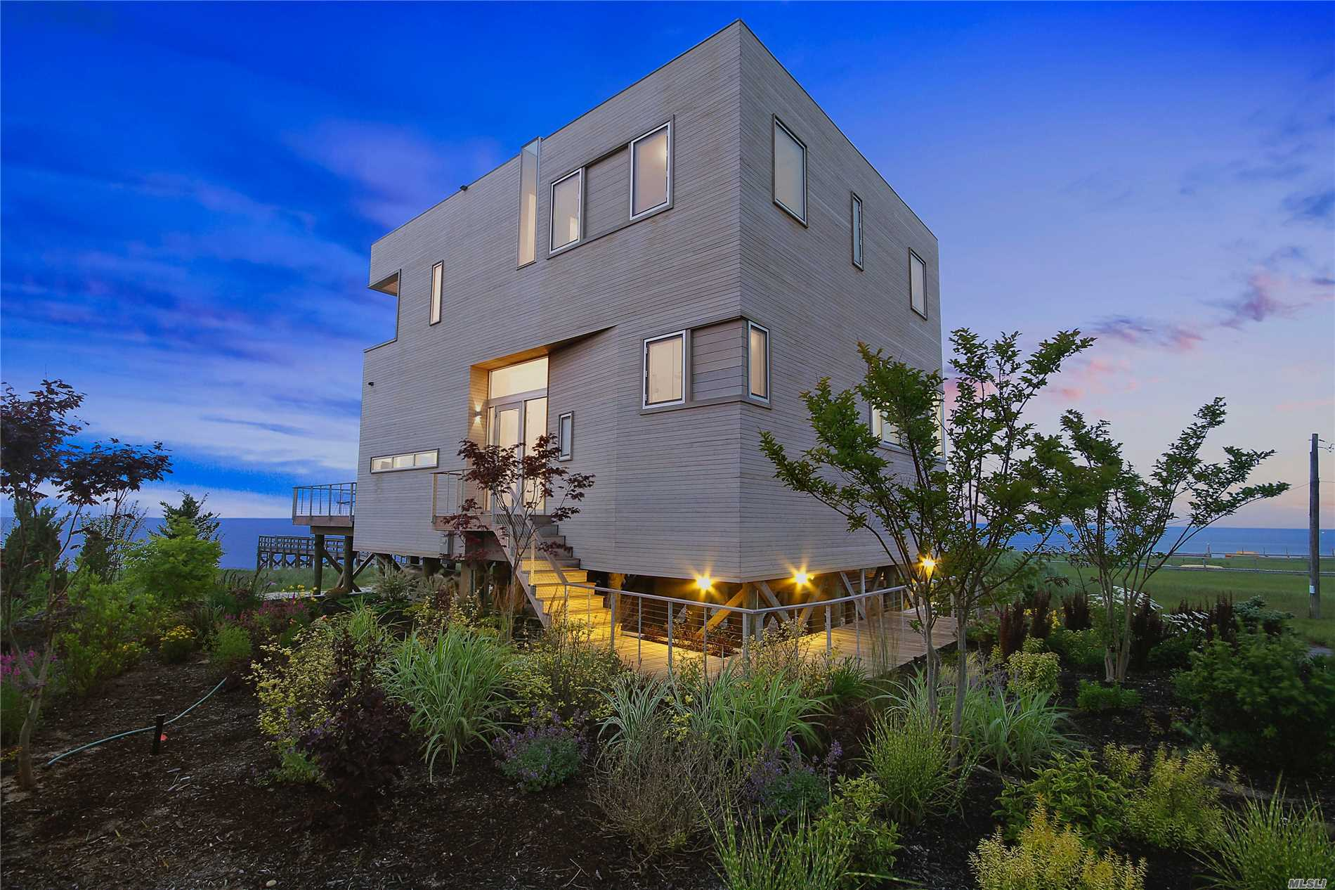 Imagine Endless Bayfront Views From A Modern Home Designed By Award Winning Leroy Street Studio Architecture Of Nyc. The Cube Was Completed In 2013 And Has Since Been Written About And Even Televised All Over The World. Set Upon +/- 3/4 Of Acres Of Bayfront Property, The Cube Leaves You Feeling Like Your Living Above Water.