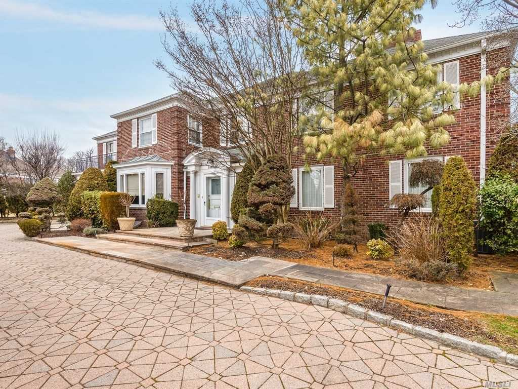 Stately All Brick C/H Col. On Most Prestigious Cul-De-Sac,  Spacious Marble Entry , Beautifully Appointed Flr, Banquet Fdnr, Huge Chefs Eik, Magnificent Den, 5+ Bdrms With On Suite Bthrms, Full Finished Basement With Pool Room, Playrm, Bdrm, Manicured Oversized Property With Igp And Beautiful Landscaping