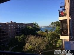 Fabulous Large 1 Bedroom With 1150 Sq. Ft. Windowed Family Kitchen, Dining Room,  Living Room With Space For Office/2nd Br., Water Views With Spectacular Terrace. Cryder Pt. Offer 24 Hour Doorman, New Playground, Water Front Pool, 2 Docks And Lush Gardens.