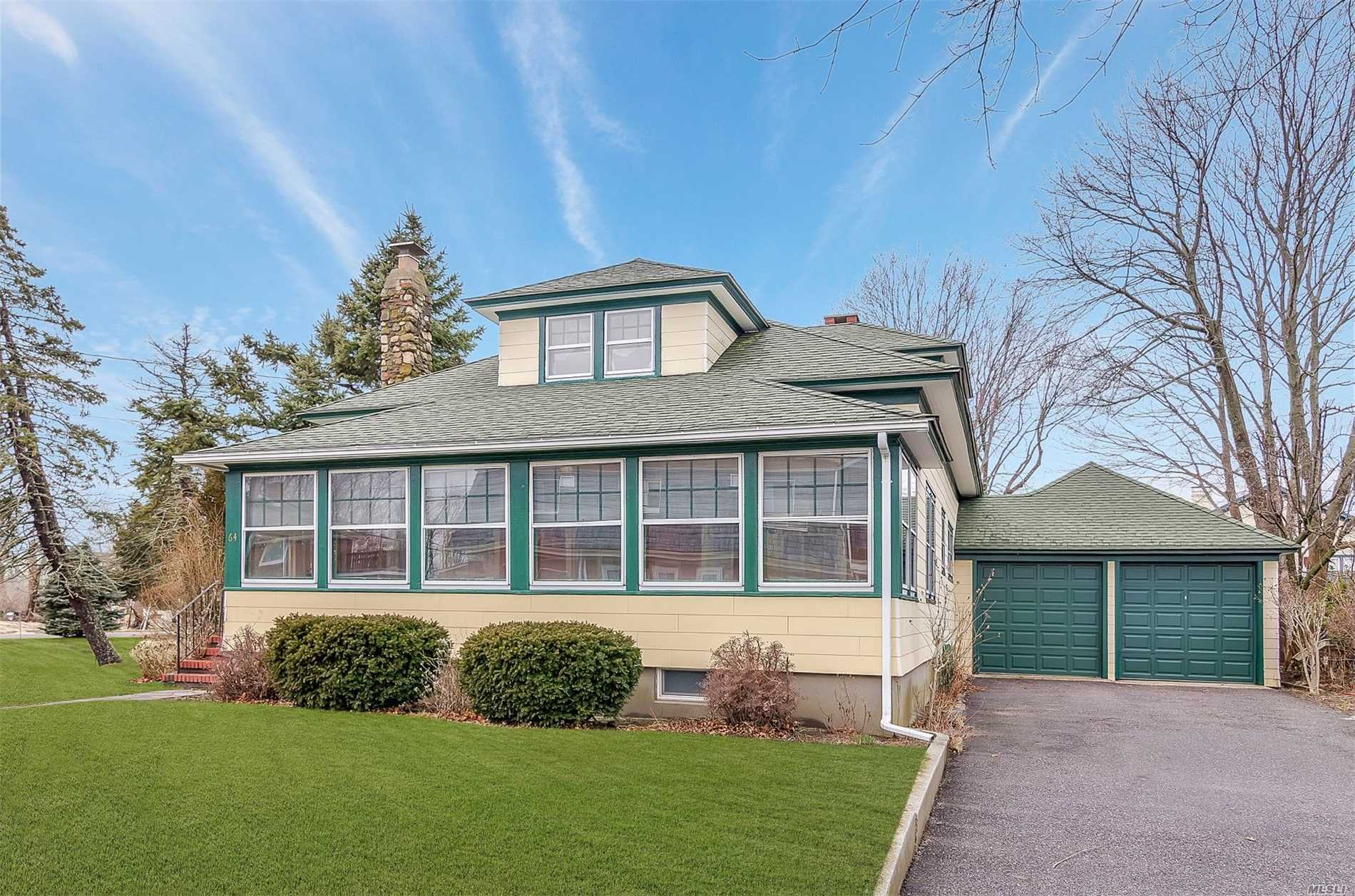 1920'S Craftsman Across The Street From The Peconic Bay. Around The Corner From Beautiful, Sandy, Bay Beach In Coveted S. Jamesport. 5 Bedroom, 2 Bath Classic.