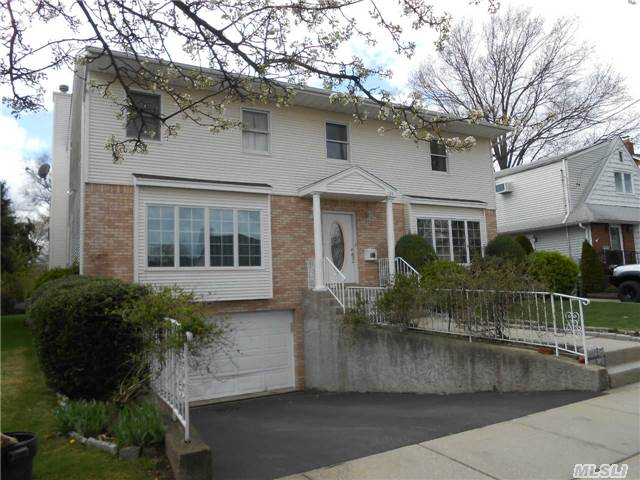 Back On Market..Deals Off. Great Home For Large Family W 2 Master Br Suites. Park Section. Close To Everything In Village; Parks, Schools, Library, Houses Of Worship, Downtown Restaurants, Shopping & Blocks From Lirr. Commuter's Dream. Takes Under 40 Minutes To Penn. Young Home Built 1995 Boasts 3 Zones Of Heat, Central Air & Vac Sys. Fireplace, Deck & Sky Lights